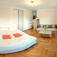 Fontann Metro Pl.Bankowy apartment near Old Town