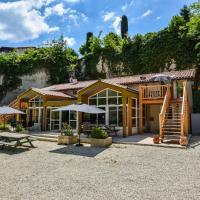 Spacious villa in Aubeterre-sur-Dronne with Private Garden