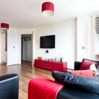 Apartment with Balcony and Free Parking at the Hub in Central Milton Keynes
