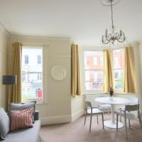 Beautiful Fulham 1 Bed Flat in Waldemar Avenue