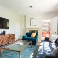 The Saint Giles Haunt - Bright 3BDR Townhouse
