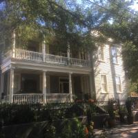 22 Charlotte Bed & Breakfast