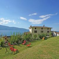 Villa San Giacomo, exclusive lakefront villa with stunning lake views and private lakefront garden