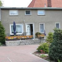 Comfortable Apartment in Steffenshagen with Garden
