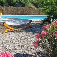 Charming Holiday Home in Faucon with Swimming Pool