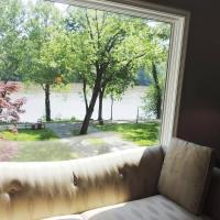 River's Edge Retreat on the Deep Water Potomac