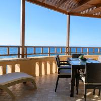 Captain's House Traditional Hotel-Apartments & Suites, hotel in Panormos Rethymno