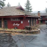 Boulder Lodge