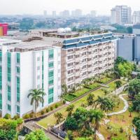 Pejaten Indah Apartment </h2 <div class=sr-card__item sr-card__item--badges <div class= sr-card__badge sr-card__badge--class u-margin:0  data-ga-track=click data-ga-category=SR Card Click data-ga-action=Hotel rating data-ga-label=book_window:  day(s)  <span class=bh-quality-bars bh-quality-bars--small   <svg class=bk-icon -iconset-square_rating fill=#FEBB02 height=12 width=12<use xlink:href=#icon-iconset-square_rating</use</svg<svg class=bk-icon -iconset-square_rating fill=#FEBB02 height=12 width=12<use xlink:href=#icon-iconset-square_rating</use</svg<svg class=bk-icon -iconset-square_rating fill=#FEBB02 height=12 width=12<use xlink:href=#icon-iconset-square_rating</use</svg </span </div   <div style=padding: 2px 0  <div class=bui-review-score c-score bui-review-score--smaller <div class=bui-review-score__badge aria-label=Skor 8,1  8,1 </div <div class=bui-review-score__content <div class=bui-review-score__title Sangat baik </div </div </div   </div </div <div class=sr-card__item   data-ga-track=click data-ga-category=SR Card Click data-ga-action=Hotel location data-ga-label=book_window:  day(s)  <svg alt=Lokasi akomodasi class=bk-icon -iconset-geo_pin sr_svg__card_icon height=12 width=12<use xlink:href=#icon-iconset-geo_pin</use</svg <div class= sr-card__item__content   <strong class='sr-card__item--strong'Jakarta</strong • <span 550 m </span  dari Ragunan </div </div </div </div </a </li <li class=bui-card bui-u-bleed@small bh-quality-sr-explanation-card <div class=bh-quality-sr-explanation <span class=bh-quality-bars bh-quality-bars--small   <svg class=bk-icon -iconset-square_rating fill=#FEBB02 height=12 width=12<use xlink:href=#icon-iconset-square_rating</use</svg<svg class=bk-icon -iconset-square_rating fill=#FEBB02 height=12 width=12<use xlink:href=#icon-iconset-square_rating</use</svg<svg class=bk-icon -iconset-square_rating fill=#FEBB02 height=12 width=12<use xlink:href=#icon-iconset-square_rating</use</svg </span Rating kualitas tipe properti rumah terbaru
