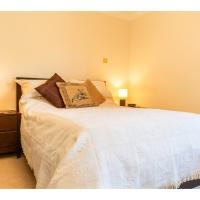 Central Flat with Garden View Ideal for Couples