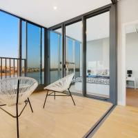Brand New 3 Bedrooms Apt with Waterfront View