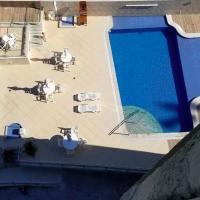 Flat de luxo com piscinas e jacuzzi no Leblon