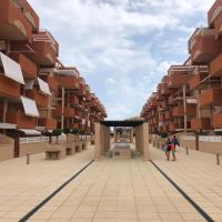 Residencial Puerta Del Mar, hotel in Canet de Berenguer