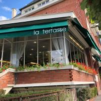 Logis Terrasse Hôtel, hotel in Lisieux