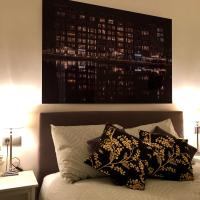 City Centre Canalview Holiday Apartment