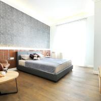 Gold star apartment