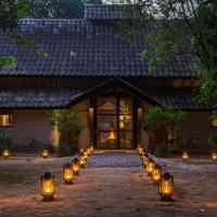 Tiger Tops Tharu Lodge