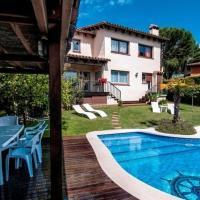 Cabrils Villa Sleeps 8 Pool WiFi