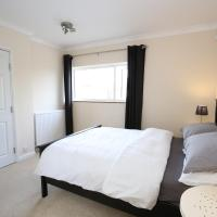 Sleek & Stylish 2BR Home + Parking in Oxford