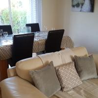 Heol Booker 4 bedroom House by Cardiff Holiday Homes
