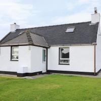 Lochside Cottage, Isle of North Uist, hotel in Rossinish