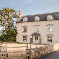 Westbury on Severn Villa Sleeps 22 WiFi