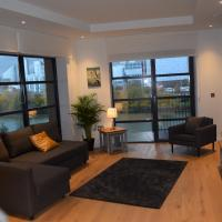 London City Island 3 Bedroom Luxury Apartments, Canary Wharf