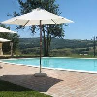 Todi Villa Sleeps 10 Pool