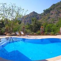 Marmaris Villa Sleeps 8 Pool Air Con WiFi