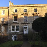 Clarendon House Apartment