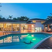 Luxury waterfront home w pool