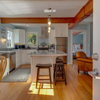 Stagecoach Cabin @ Oceanside Lodge-Ocean Views,Bluffside Seating & Hot Tub