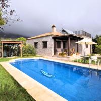 Naturepark Cottage in Andalusia with swimming pool offering country views