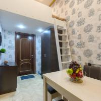 Guest House on Admiralteyskaya Naberezhnaya 10