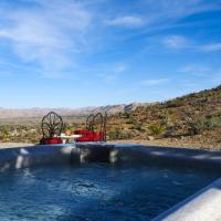 Joshua Tree Retreat with Sweeping Views & Hot Tub