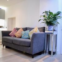 Bright 2 Bedroom Kennington Flat with Garden