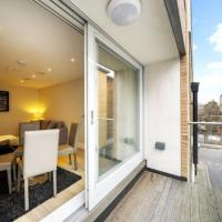 Bright Modern One Bedroom Flat, For 4 People, 5 min walk from South Bank, London Eye & Shard