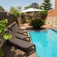 Cubelles Villa Sleeps 9 Pool WiFi