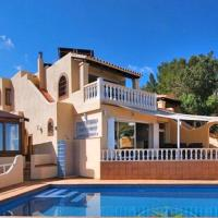 Cala Tarida Villa Sleeps 12 Pool Air Con WiFi