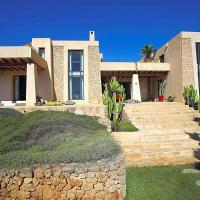 Es Cubells Villa Sleeps 7 Pool Air Con WiFi
