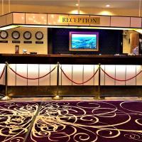 Hotel Leikari </h2 </a <div class=sr-card__item sr-card__item--badges <div class= sr-card__badge sr-card__badge--class u-margin:0  data-ga-track=click data-ga-category=SR Card Click data-ga-action=Hotel rating data-ga-label=book_window:  day(s)  <i class= bk-icon-wrapper bk-icon-stars star_track  title=3 tähteä  <svg aria-hidden=true class=bk-icon -sprite-ratings_stars_3 focusable=false height=10 width=32<use xlink:href=#icon-sprite-ratings_stars_3</use</svg                     <span class=invisible_spoken3 tähteä</span </i </div   <div style=padding: 2px 0  <div class=bui-review-score c-score bui-review-score--smaller <div class=bui-review-score__badge aria-label=Arviopisteet: 7,9 7,9 </div <div class=bui-review-score__content <div class=bui-review-score__title Hyvä </div </div </div   </div </div <div class=sr-card__item   data-ga-track=click data-ga-category=SR Card Click data-ga-action=Hotel location data-ga-label=book_window:  day(s)  <svg aria-hidden=true class=bk-icon -iconset-geo_pin sr_svg__card_icon focusable=false height=12 role=presentation width=12<use xlink:href=#icon-iconset-geo_pin</use</svg <div class= sr-card__item__content   <strong class='sr-card__item--strong'Kotka</strong • <span 8 km </span :n päässä kohteesta Alastalo </div </div </div </div </div </li <div data-et-view=cJaQWPWNEQEDSVWe:1</div <li id=hotel_391854 data-is-in-favourites=0 data-hotel-id='391854' class=sr-card sr-card--arrow bui-card bui-u-bleed@small js-sr-card m_sr_info_icons card-halved card-halved--active   <div data-href=/hotel/fi/santalahti.fi.html onclick=window.open(this.getAttribute('data-href')); target=_blank class=sr-card__row bui-card__content data-et-click=  <div class=sr-card__image js-sr_simple_card_hotel_image has-debolded-deal js-lazy-image sr-card__image--lazy data-src=https://r-cf.bstatic.com/xdata/images/hotel/square200/95434292.jpg?k=468713611caa6128025037a4df9b8cf0a09f8573f1329f48327cafe1c152851e&o=&s=1,https://r-cf.bstatic.com/xdata/images/hotel/max1024x76