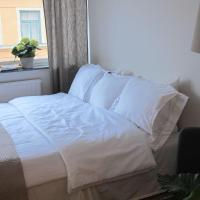 Bright Comfortable Studio with great location