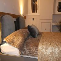 CS SUITE NAVONA
