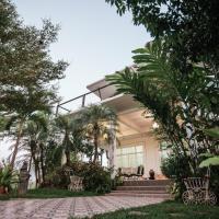 Baan Klang Suan (บ้านกลางสวน)