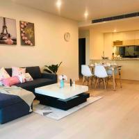 Brand new 2bedroom apt in the Upper north shore, hotel in Turramurra