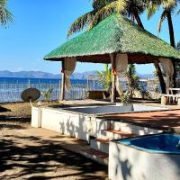 BALAYAN Beach House w/ Dipping Pool & Jacuzzi