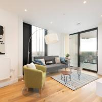 Modern 2BR Apartment near London Bridge by GuestReady