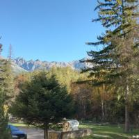 Mountain View Apartment </h2 </a <div class=sr-card__item sr-card__item--badges <div class= sr-card__badge sr-card__badge--class u-margin:0  data-ga-track=click data-ga-category=SR Card Click data-ga-action=Hotel rating data-ga-label=book_window:  day(s)  <span class=bh-quality-bars bh-quality-bars--small   <svg class=bk-icon -iconset-square_rating color=#FEBB02 fill=#FEBB02 height=12 width=12<use xlink:href=#icon-iconset-square_rating</use</svg<svg class=bk-icon -iconset-square_rating color=#FEBB02 fill=#FEBB02 height=12 width=12<use xlink:href=#icon-iconset-square_rating</use</svg<svg class=bk-icon -iconset-square_rating color=#FEBB02 fill=#FEBB02 height=12 width=12<use xlink:href=#icon-iconset-square_rating</use</svg </span </div   <div style=padding: 2px 0  <div class=bui-review-score c-score bui-review-score--smaller <div class=bui-review-score__badge aria-label=Ohodnotené na 9,4 9,4 </div <div class=bui-review-score__content <div class=bui-review-score__title Super </div </div </div   </div </div <div class=sr-card__item   data-ga-track=click data-ga-category=SR Card Click data-ga-action=Hotel location data-ga-label=book_window:  day(s)  <svg alt=Poloha ubytovania class=bk-icon -iconset-geo_pin sr_svg__card_icon height=12 width=12<use xlink:href=#icon-iconset-geo_pin</use</svg <div class= sr-card__item__content   Štôla • <span 450 m </span  od centra </div </div </div </div </div </li <li class=bui-card bui-u-bleed@small bh-quality-sr-explanation-card <div class=bh-quality-sr-explanation <span class=bh-quality-bars bh-quality-bars--small   <svg class=bk-icon -iconset-square_rating color=#FEBB02 fill=#FEBB02 height=12 width=12<use xlink:href=#icon-iconset-square_rating</use</svg<svg class=bk-icon -iconset-square_rating color=#FEBB02 fill=#FEBB02 height=12 width=12<use xlink:href=#icon-iconset-square_rating</use</svg<svg class=bk-icon -iconset-square_rating color=#FEBB02 fill=#FEBB02 height=12 width=12<use xlink:href=#icon-iconset-square_rating</use</svg </span 