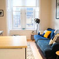 Incredible & Cosy Two Bed West End Apartment