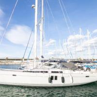 luxury private yacht to rent in valencia